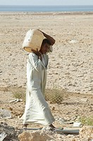 DROUGHT<BR>Photo essay.<BR>Fetching water in Charm el Cheikh, Egypt.