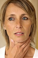 WOMAN WITH SORE THROAT<BR>Model.