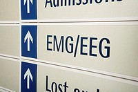 Direction sign in a hospital (thumbnail)
