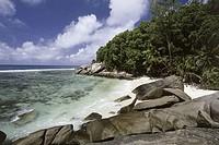 Pirate Cove Moyenne Island Seychelles