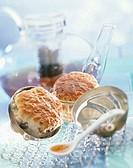 Tea and raisin scones