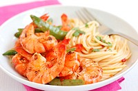 Chilli, prawn, and spaghetti