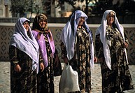 Four moslem women in Samarkand, Usbekistan