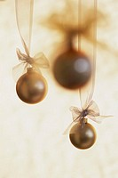 Hanging Ornamental Christmas Tree Balls