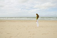 Coast, beach, woman, young, gaze Distance, side view, wind, summer,  Netherlands, Renesse, vacation, summer vacation, leisure time, 18-20 years, 20-30...