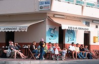 People, in, pavenment, cafe, ´Casa, Maria´,, Valle, Gran, Rey,, Gomera,, Canary, Islands,, Spain