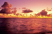 Hawaii, Pink and yellow sunset over a pink ocean (thumbnail)