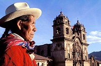 Peru, Cuzco, handicraft seller in front of Compañia church