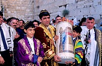 Israel, Judaea area, Old Jerusalem, the Wailing Wall, a bar Mitzvah (the Jewish Communion of the 13 years old)