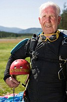 Senior adult parachutist (thumbnail)
