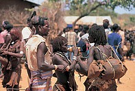market, village of hamer ethnic group, dimeke, ethiopia