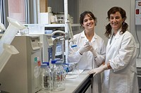 Technical staff working with the water purification equipment. Laboratory, Fundación Inbiomed, Genetrix Group. Center for research in stem cells and r...