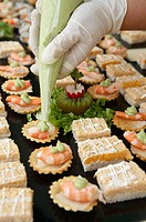Preparing canapés. Wedding. Divinus Catering, San Sebastian, Donostia, Gipuzkoa, Euskadi. Spain.