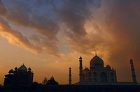 Low angle view of a mausoleum at dusk, Taj Mahal, Agra, Uttar Pradesh, India