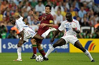 Sport, football, world championships, semifinal, Portugal versus France, 0:1, Munich, 5 7 2006, Claude Makelele, Luis Figo, Lilian Thuram, header, spo...