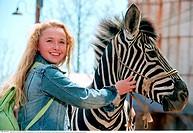 Film, ´Im Rennstall ist das Zebra los!´ Racing Stripes, USA / ZAF 2005, Regie: Frederik Du Chau, Szene mit: Hayden Panettiere und Zebra ´Stripes´, Fam...