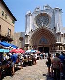 Antiques market. Cathedral of Santa Maria. Tarragona. Catalonia. Spain