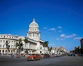 Cuba, Havanna, Capitolio, Grand Teatro, street-scene, Oldtimer, passers-by, no models building, construction, Capitol, splendor-construction, release,...