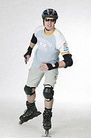 Inlineskater, protection-clothing, sun glass, movement, series, people, man, young, 30-40 years, glasses, Inlineskates, joint-protectors, protectors, ...