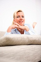 Lies sofa, woman, relaxation, portrait, series people women-portrait 30-40 years blond, beauty, silence, rests, recuperation, relaxen, enjoys, smiles,...