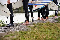 Riversides, surfers, detail, get along river, water leisure time-sport water-sport wetsuit shores, surfboards, carries, holds, barefoot, legs, skill, ...