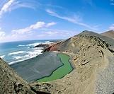´El Golfo´ green Lagoon. Volcanic beaches. Parque Nacional de Timanfaya. Lanzarote. Canary Islands. Spain