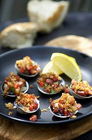 Clams with gratin topping