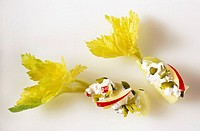 Celery with cottage cheese, grapes and pistachios 2