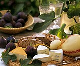 Cheese with figs and farmhouse bread