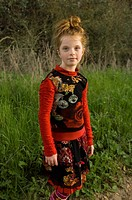 Portrait of young girl outside (thumbnail)
