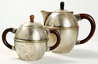 Teapot and sugar bowl, close-up (thumbnail)