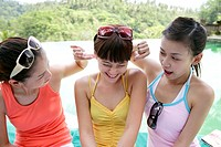 View of playful young women (thumbnail)