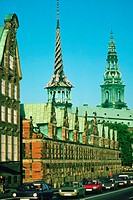 Road along a building, Borsen Building, Copenhagen, Denmark (thumbnail)