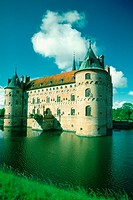 Castle at the waterfront, Egeskov Castle, Funen County, Denmark (thumbnail)