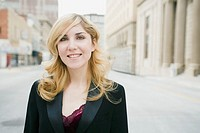 Smiling businesswoman (thumbnail)