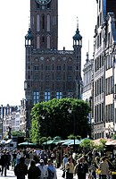 Poland, Gdansk, Dlugi Targ Street and City hall