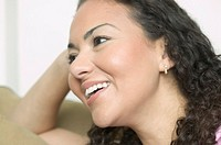 Hispanic woman´s smiling face