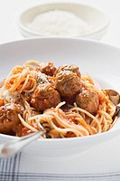 Spaghetti with meatballs and tomato sauce, Parmesan