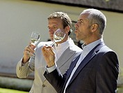 Men drinking wine (thumbnail)