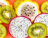 Kiwi fruit and pitahaya slices