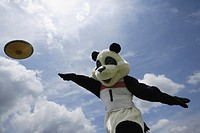 Panda Throwing a Discus (thumbnail)