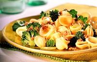 Orecchiette alla pugliese orecchiette with broccoli