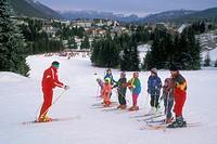 lezione di sci, piancavallo, provincia di pordenone, friuli venezia giulia, italia