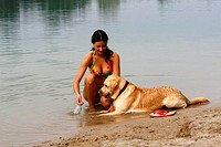 Woman, with, Labrador, Retriever