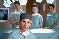 Surgical team (thumbnail)