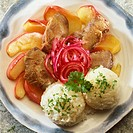 Chicken livers with apples, onions and rice