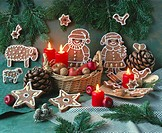 Christmas decoration with gingerbread figures