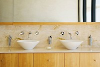 Modern bathroom vanity and sinks