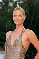 01-09-2007 - 64th Venice International Film Festival - Red carpet film 'In the Valley of Elah': actress Charlize Theron