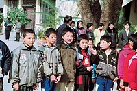 The students of safe central primary school welcome guests of school, Yongtai County, Fuzhou City, Fujian Province, People's Republic of China, FOR ED...